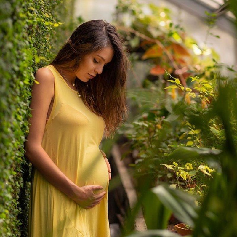 Евелин Костова пак е бременна, но само на екран, видя